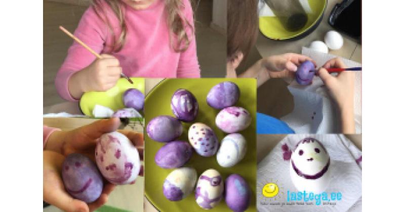 Munadepühadel värvi mune mustikavärviga!